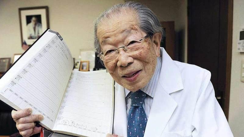 105 il yaşayan yaponiyalı Doktor Şiqeaki Hinoharanın uzunömürlülüklə bağlı tövsiyələri hekimtap.az