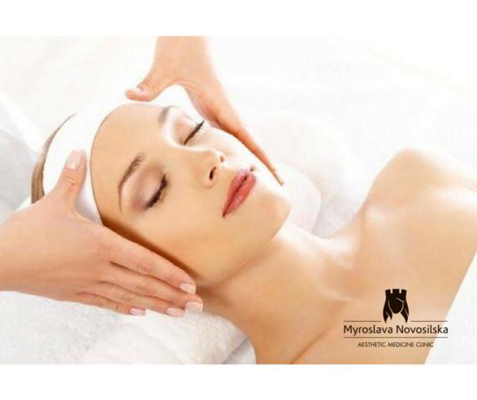 Класичний масаж обличчя  doctortap.com.ua