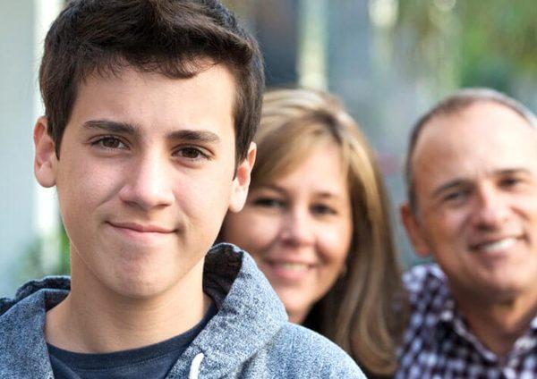 yetkinlik dövründə oğlanların cinsi inkişafı