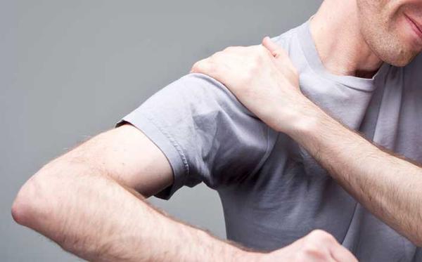 çiyin ağrıları səbəb və simptolar